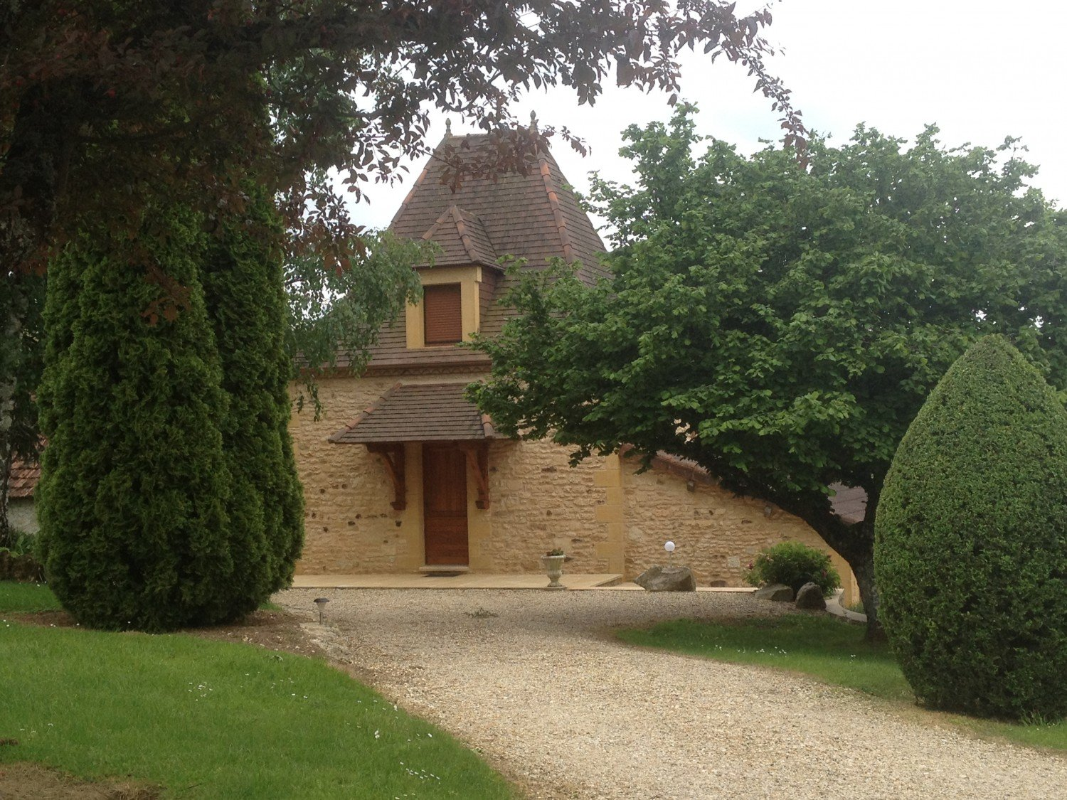 les-lavandes-holiday-cottages-in-black-perigord-dordogne